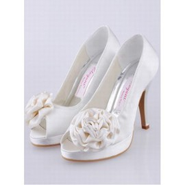 With High Fine With Satin Fish Head Shoe Bride
