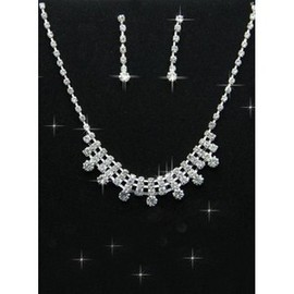 With Casual Vintage Crystal Bridal Jewelry
