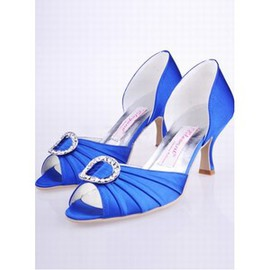 With Satin Bridal Shoe Round Root