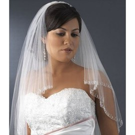 Lace Hem Beautiful Short Wedding Veil