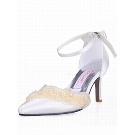Paragraphs Satin Fine Pointed With Bridal Shoe