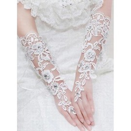 Lace With Crystal Ivory Chic | Modern Bridal Gloves