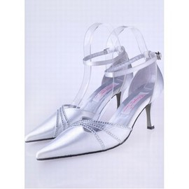With High-heeled Fine Bridal Shoe