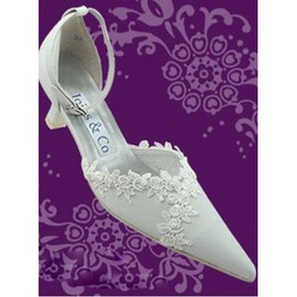 With PU Pointed Rough With Bridal Shoe