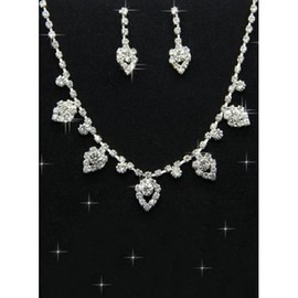 Informal Chic With Crystal Bridal Jewelry