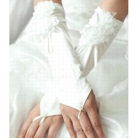 Satin 3D Flower Ivory Elegant | Modest Bridal Gloves