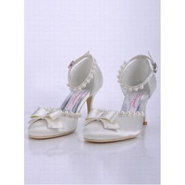 High-heeled Round Fine With Bridal Shoe