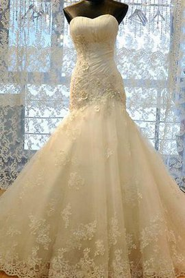 Sweetheart Organza Tulle Sequined Appliques Wedding Dress