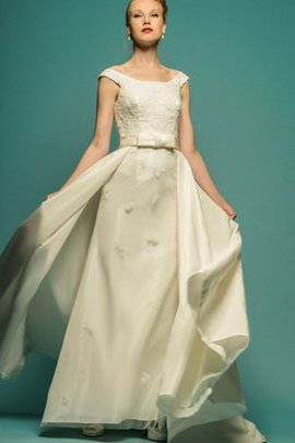 Satin Natural Waist Modest Rectangle Appliques Wedding Dress