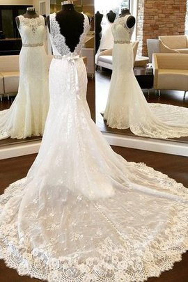 Romantic Lace Fabric Sheath Backless Rectangle Junoesque Accented Bow Wedding Dress