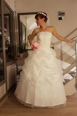 Chic & Modern Formal Pleated Bodice Ruffles Strapless Sparkly Beading Wedding Dress