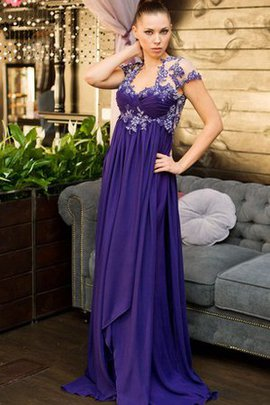 Queen Anne Capped Sleeves Sweep Train Appliques Short Sleeves Prom Dress