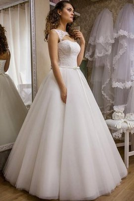 Misses Hall Bateau Elegant & Luxurious Tulle Wedding Dress