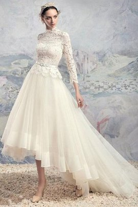 Pleated Lace Fabric Vintage Elegant & Luxurious Modest Wedding Dress