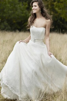 Strapless Lace Fabric Chic & Modern Sleeveless A-Line Wedding Dress