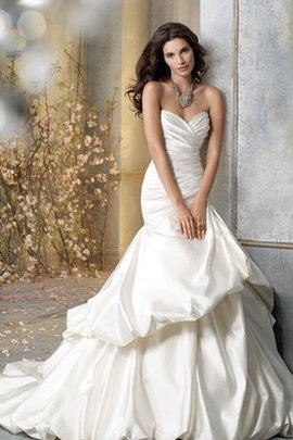 Pick-Ups Asymmetrical Satin Elegant & Luxurious Sleeveless Wedding Dress