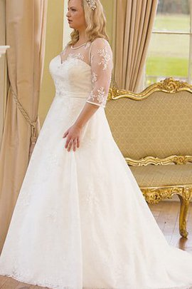 Lace Fabric Plus Size Pleated Elegant & Luxurious Button Wedding Dress