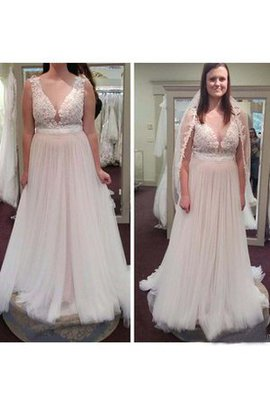 Plus Size V-Neck Chic & Modern Beach Tulle Wedding Dress