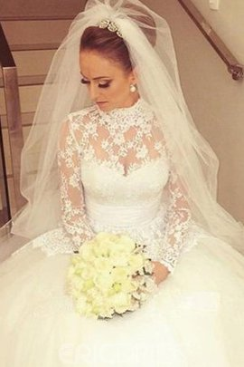 Sashes Chic & Modern Embroidery Church Sweep Train Natural Waist Wedding Dress