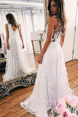 Appliques Outdoor Fabulous Sweep Train Fancy Floor Length Simple Wedding Dress