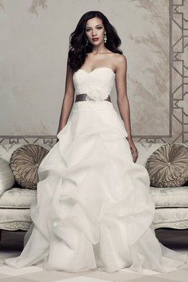 Vintage Sleeveless Church Floor Length Inverted Triangle Wedding Dress