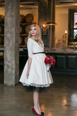Chic & Modern Ruched Pleated Informal & Casual Bow Wedding Dress