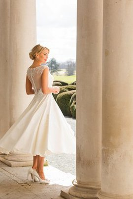 Romantic Short Sleeves Bateau Vintage Informal & Casual Wedding Dress