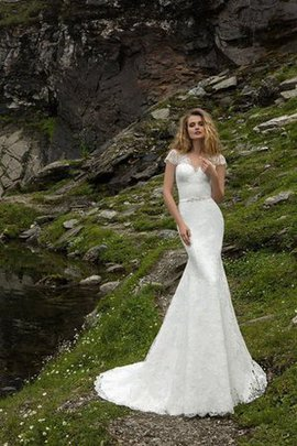 Sweep Train Mermaid Sashes Scalloped-Edge Wedding Dress