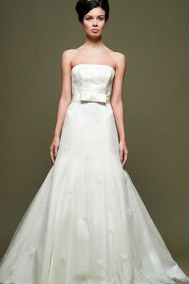 Appliques Court Train Bow Natural Waist Strapless Wedding Dress