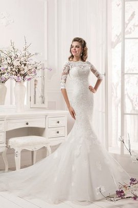 Court Train Lace Fabric Off The Shoulder Appliques Wedding Dress