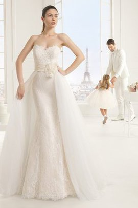 Demure Zipper Up Chic & Modern Long Natural Waist Wedding Dress
