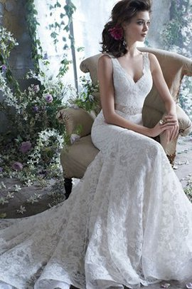 Natural Waist Sweep Train Sleeveless Sashes Lace Wedding Dress