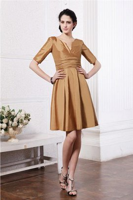 Short Half Sleeves Zipper Up Taffeta Pleated Bridesmaid Dress