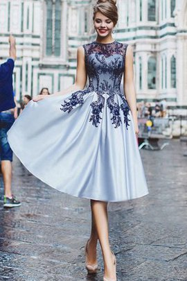 Jewel Elegant & Luxurious Lace Satin Knee Length Homecoming Dress