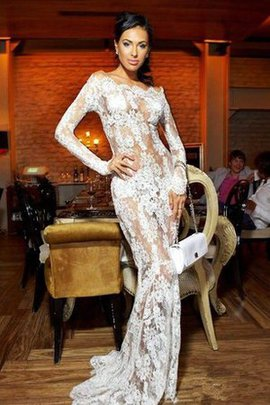 Long Sleeves Sexy Mermaid Lace Sweep Train Prom Dress