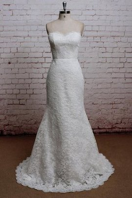 Lace Fabric Outdoor Court Train Modest Sweetheart Wedding Dress