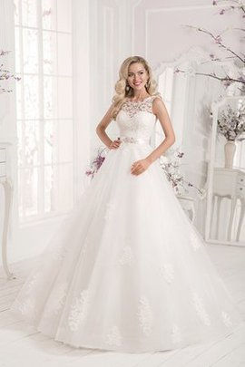 Floor Length Long Court Train Scalloped-Edge Lace-up Wedding Dress