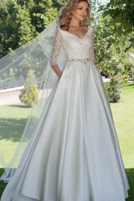 Vintage Appliques Half Sleeves A-Line Lace-up Wedding Dress