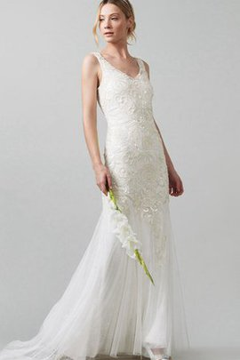Button Sweep Train Sleeveless Appliques Lace Wedding Dress