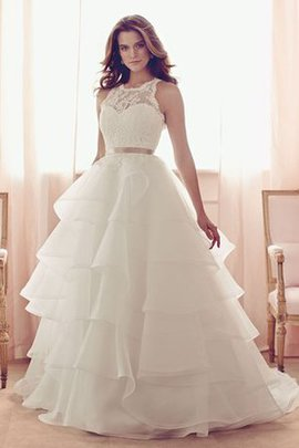 Bow Elegant & Luxurious Rectangle Sweep Train Lace Wedding Dress