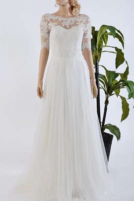 Lace Appliques Lace-up Tulle Romantic Wedding Dress