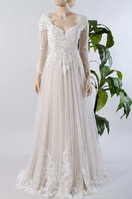 Pleated Lace Sweep Train Appliques Elegant & Luxurious Wedding Dress