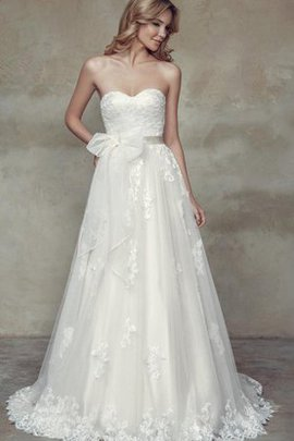 Sweetheart Appliques Floor Length Lace A-Line Wedding Dress