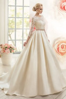 Ruffles Court Train Scoop Appliques Ball Gown Wedding Dress