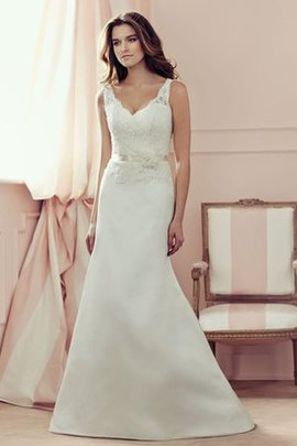 Modest Floor Length Chic & Modern Vintage Lace Wedding Dress