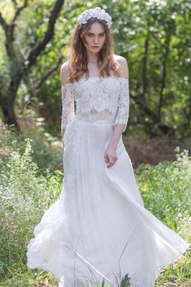 Simple A-Line Lace Lace-up Appliques Wedding Dress