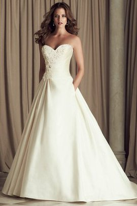 Sweep Train Vintage Zipper Up A-Line Sweetheart Wedding Dress