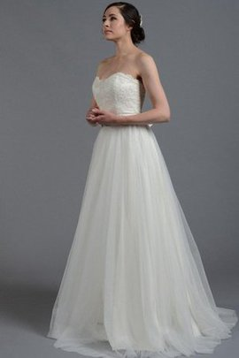 Sweetheart Beading Tulle Natural Waist Sleeveless Wedding Dress