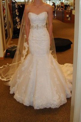 Jewel Accented Thin Graceful Sleeveless Embroidery Hall Mermaid Wedding Dress