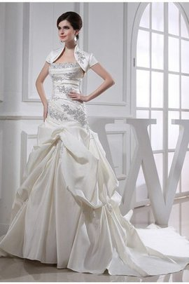 Beading Satin Sleeveless Lace-up Strapless Wedding Dress